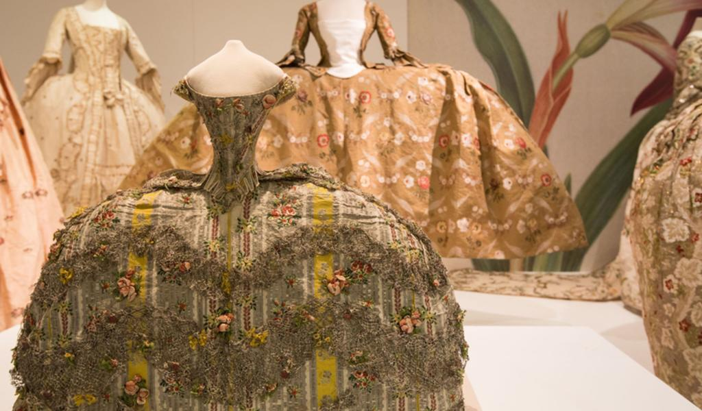 Image: Georgian dress at the Fashion Museum