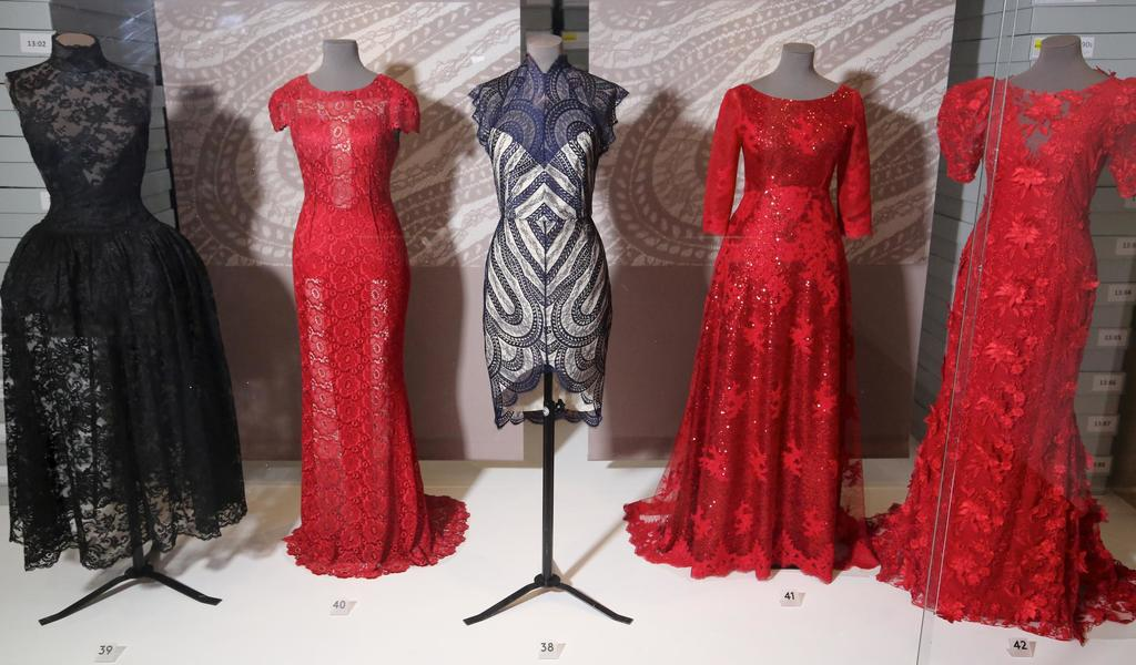 Image: Lace in Fashion