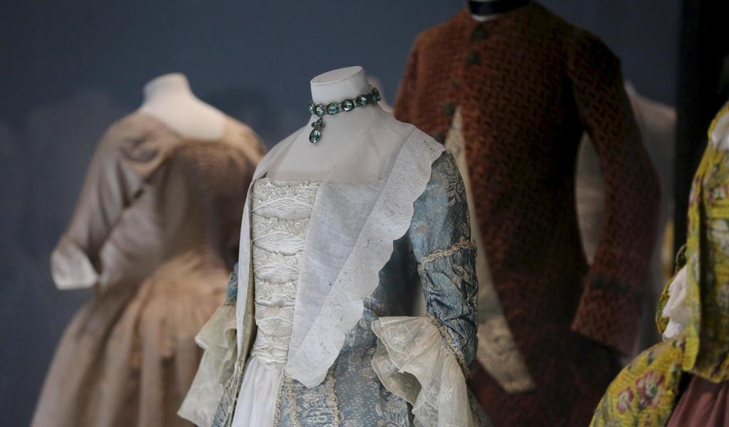 Image: Case shot of A History of Fashion in 100 Objects