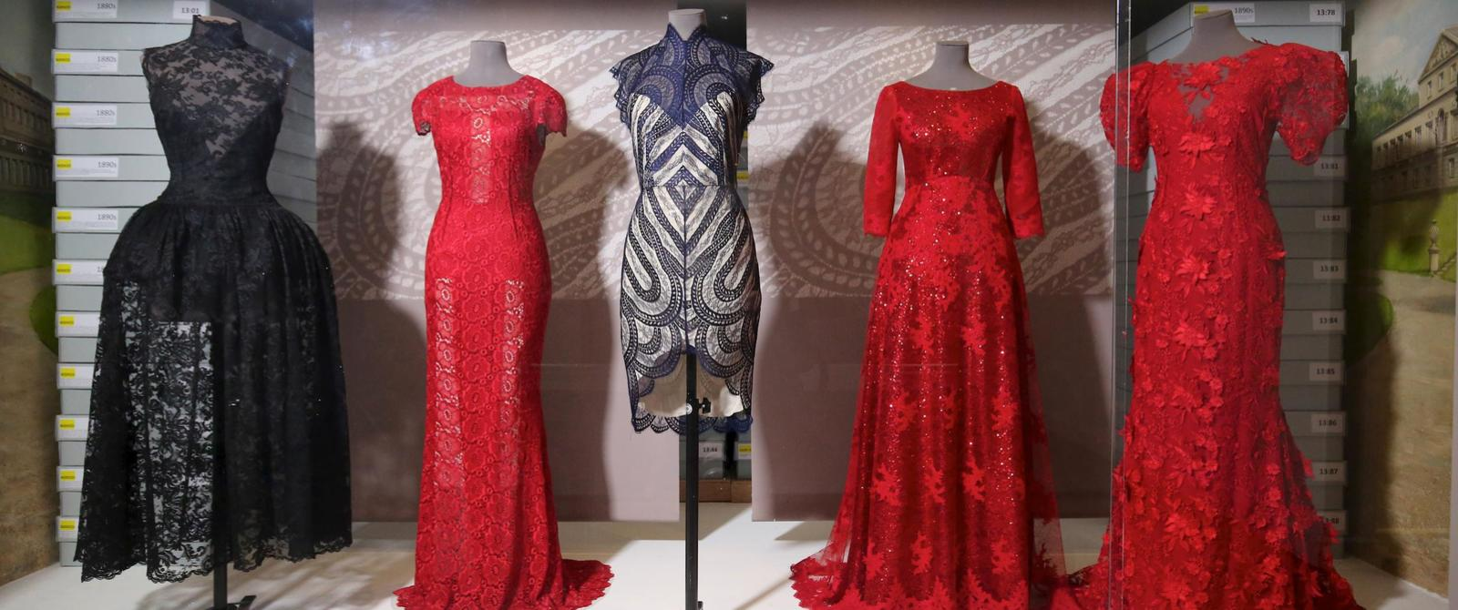 Image: Lace in Fashion display case