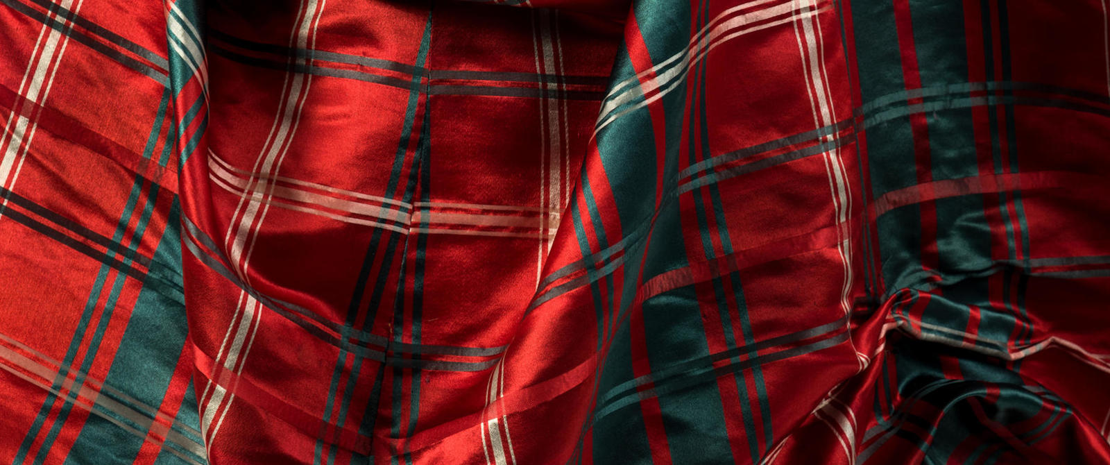Image: Queen Alexandra's tartan dress