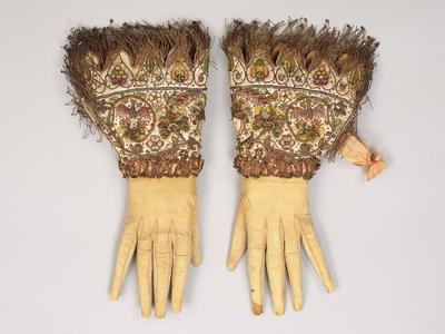 Image: Historical gloves