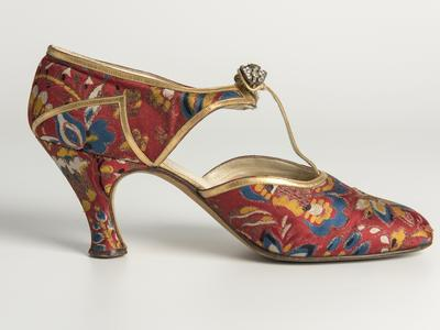 Image: Woven silk shoe, with gold leather trim and diamante clip Hellstern and Sons, Paris, worn by Lady Ward, 1930s