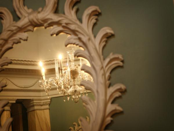 Image: Chandelier at the Assembly Rooms