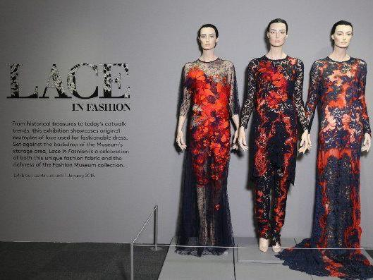 Image: Lace in Fashion display